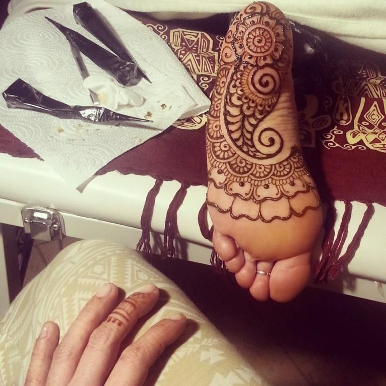 Best mehandi designs on the sole of the foot 5