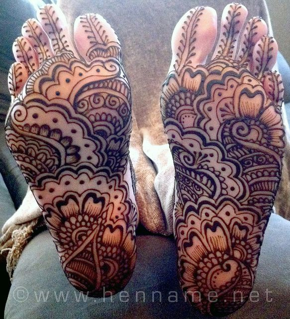 Best mehandi designs on the sole of the foot 6