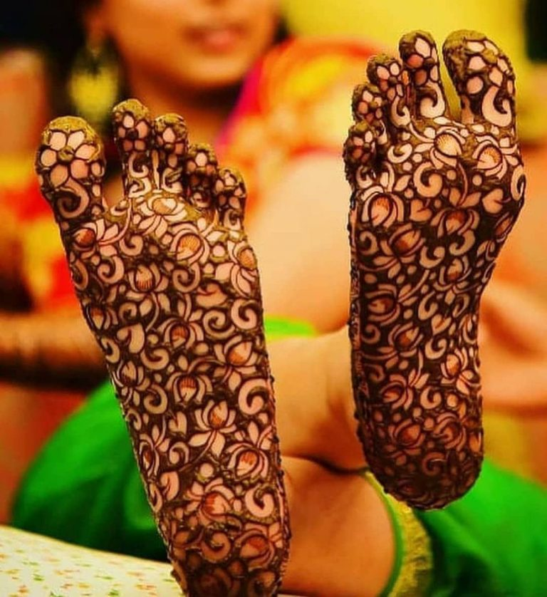 Best mehandi designs on the sole of the foot 9