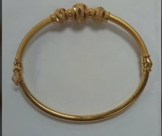 Exclusive gold bangles designs 21