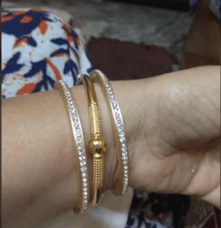 Exclusive gold bangles designs 4