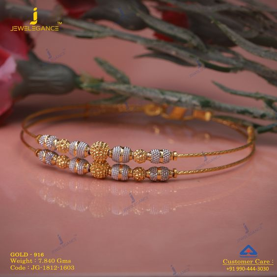Gold bangle with unique designs3