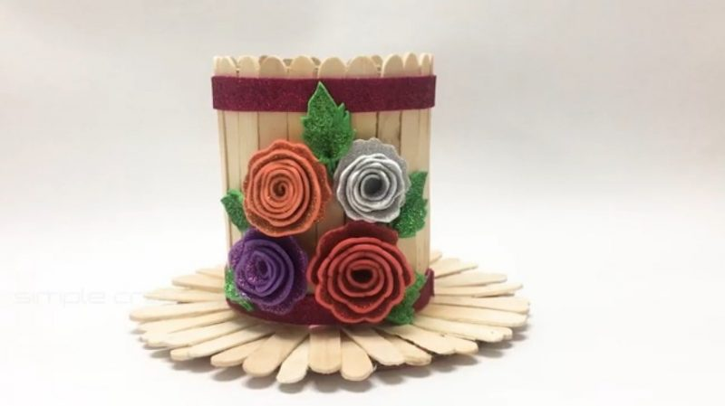 How to make a flower vase with popsicle sticks 25