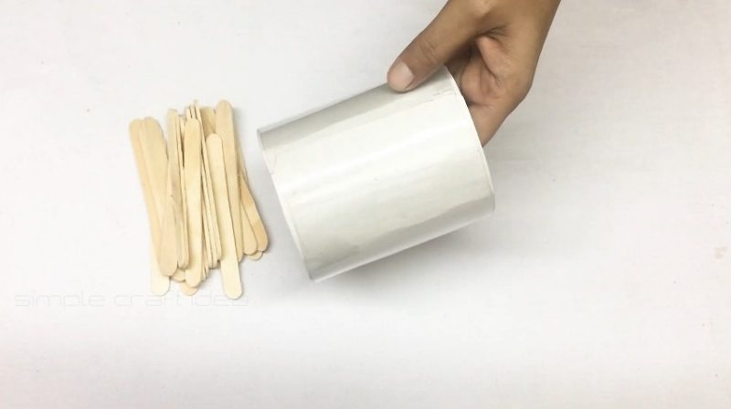 How to make a flower vase with popsicle sticks 5