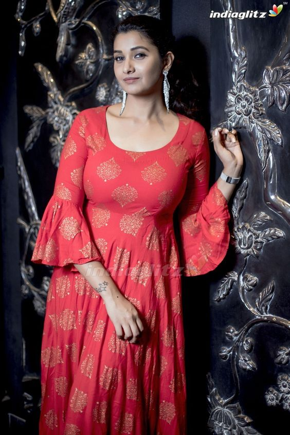 red kurti with bell sleeve