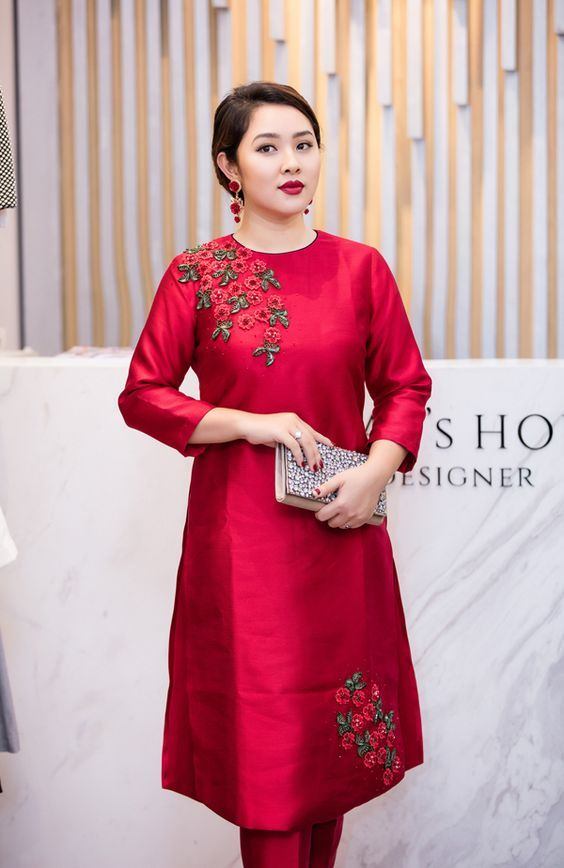 simple party wear red kurti