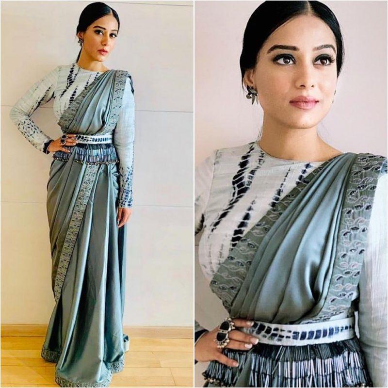 Latest bollywood designer sarees for elegant look 11