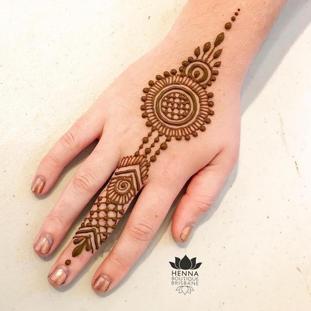 Simple arabic mehndi designs18