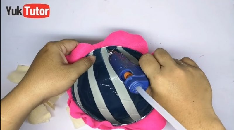 Turn a ball into a candy place 18