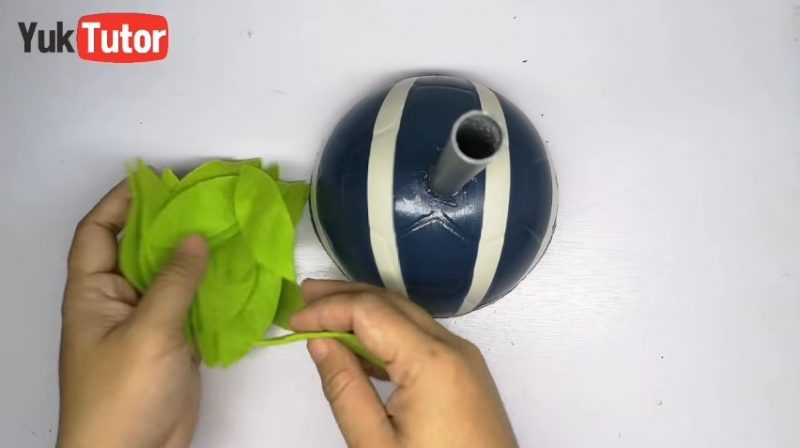 Turn a ball into a candy place 5