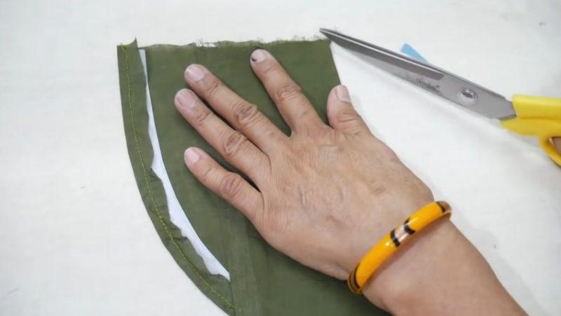 cutting end threads with scissor