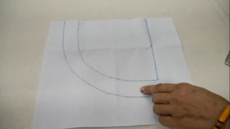 drawing neck lines using chalk