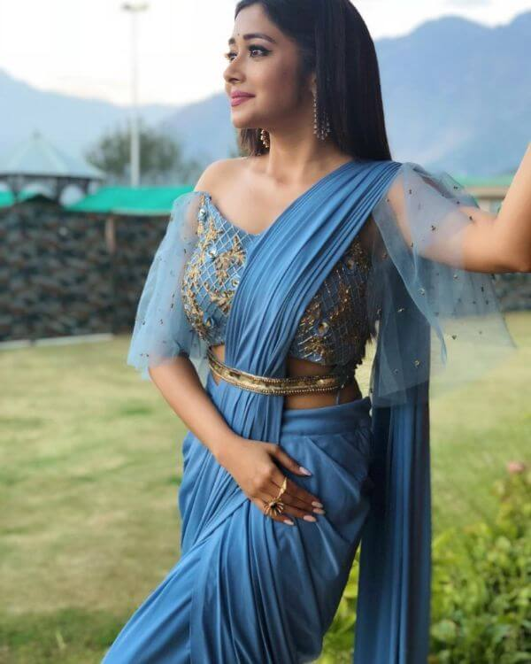 front net blouse designs for saree and lehenga 1