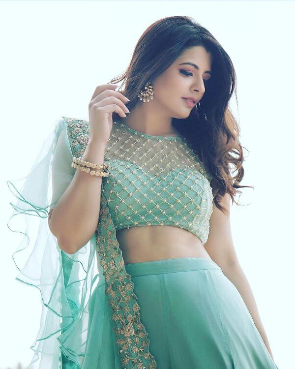front net blouse designs for saree and lehenga 6