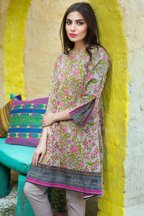 floral print kurti with Beautiful Sleeves Designs