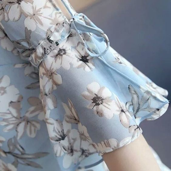 bell sleeve with floral print