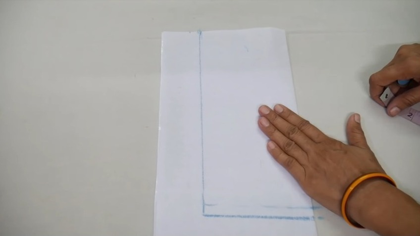 drawing the neck length on canvas