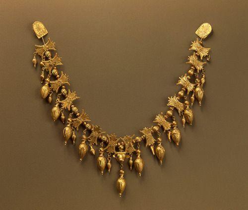 Elegant Gold Necklace15