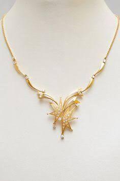 Elegant Gold Necklace4
