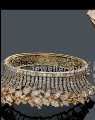Gold Stone Bridal Bangle Designs13