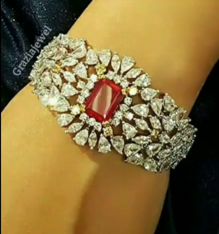 Gold Stone Bridal Bangle Designs16