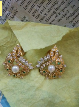 Gorgeous and Light Weight Gold Stud and Gold Earrings10