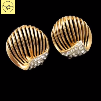 Gorgeous and Light Weight Gold Stud and Gold Earrings7