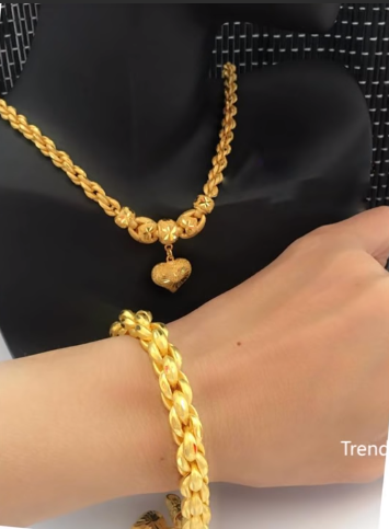 Latest Simple and Light Weight Gold Chain Designs7