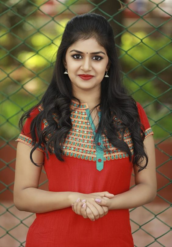 red kurti with high neck