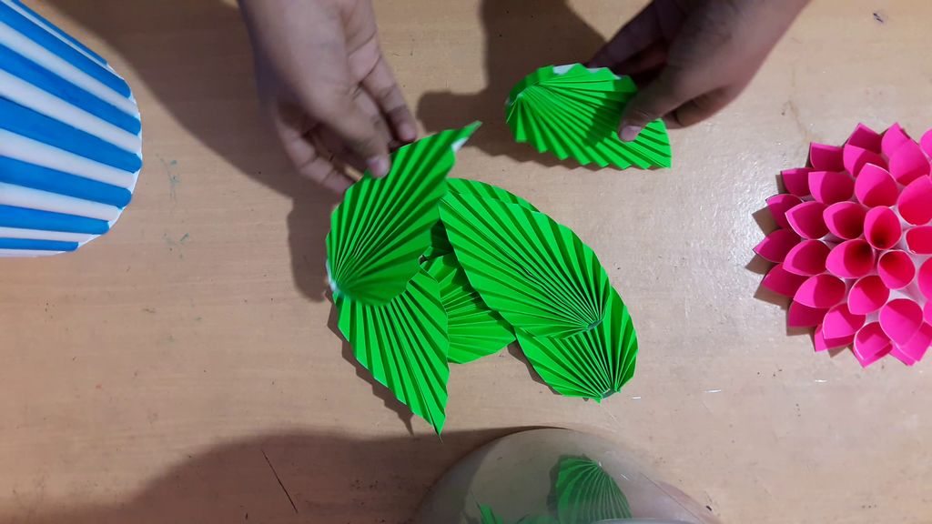making green color leaves