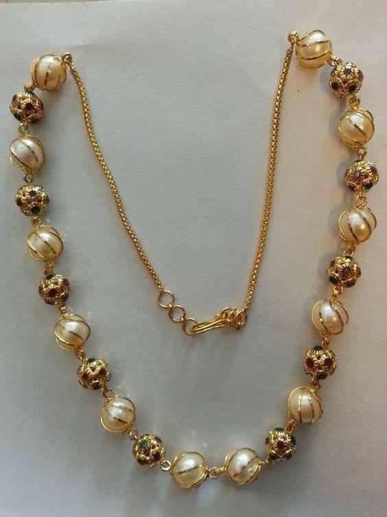 simple golden necklace
