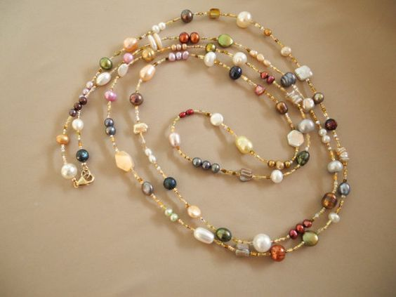 simple necklace with multi color pearls