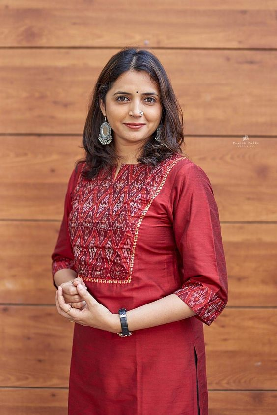 red kurti with elbow sleeve