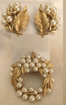 Designer Pearl Earring and Pendant Sets1