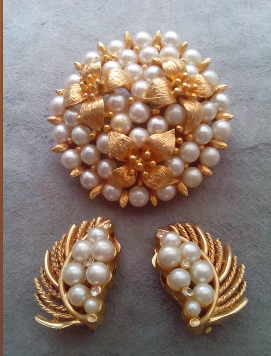 Designer Pearl Earring and Pendant Sets12