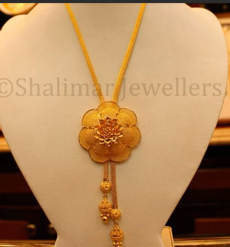 Gold Pendant Designs with Long and Short Chains10