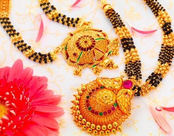 Latest Beautiful Gold Long Mangalsutra Designs11