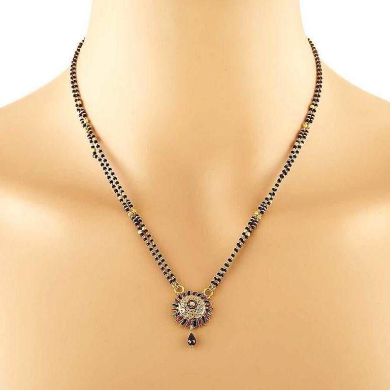 Latest Beautiful Gold Long Mangalsutra Designs7