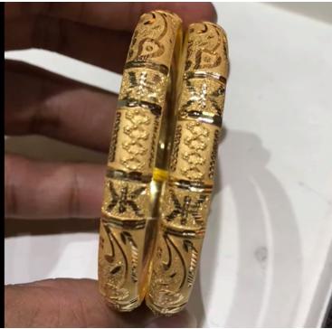 Latest Gold Bangle Designs10