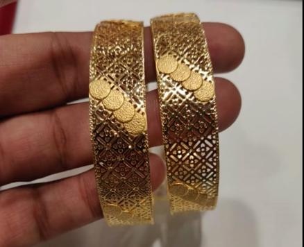 Latest Gold Bangle Designs11