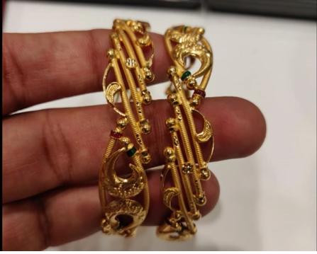Latest Gold Bangle Designs4