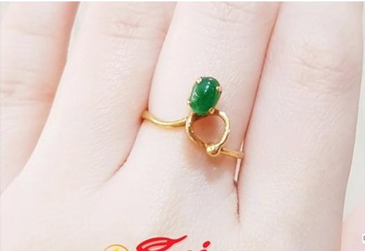 green stone gold design