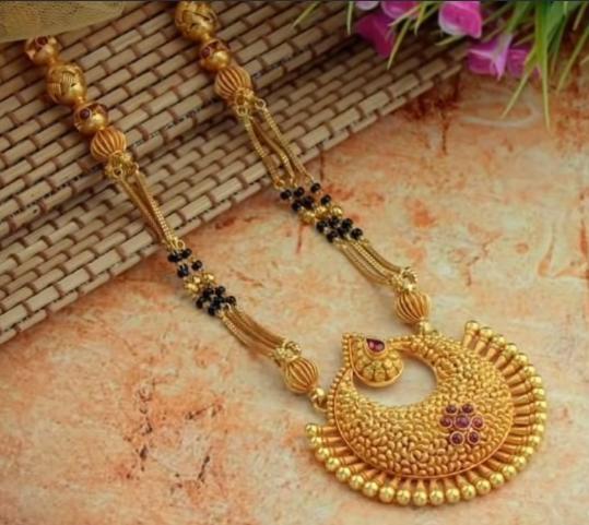 Latest Long Gold Mangalsutra Designs7
