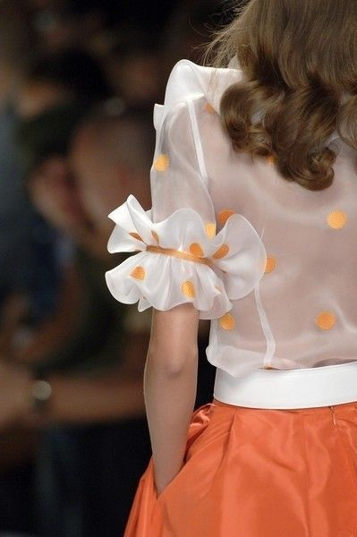 elbow sleeve with ruffles