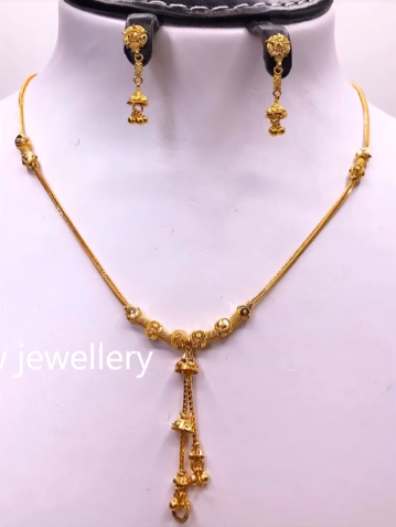 Light Weight Gold Necklace Sets11