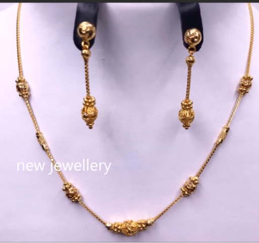 Light Weight Gold Necklace Sets14