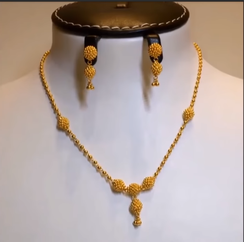 Light Weight Gold Necklace Sets2