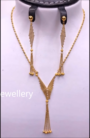 Light Weight Gold Necklace Sets22