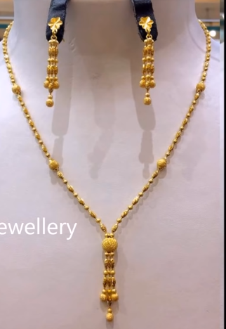 Light Weight Gold Necklace Sets24