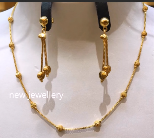 Light Weight Gold Necklace Sets7
